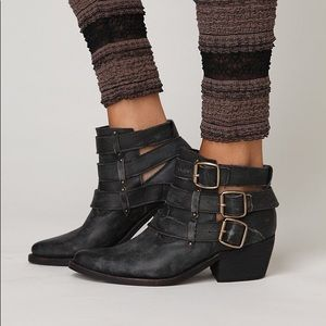jeffrey campbell buckle back Phillips ankle boot
